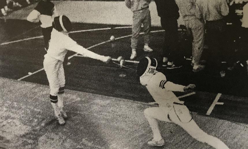 1987年、リーグ戦エペの佐々木選手(右)