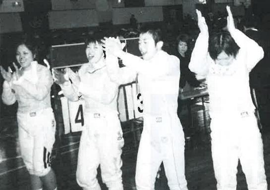 2003年、女子サーブル1部復帰、左より田島、 伊藤、杉山、松本